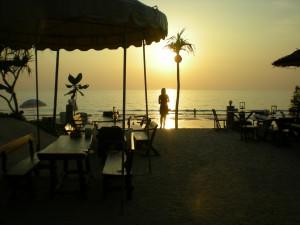 Nice beach resort, Koh Lanta-restaurang
