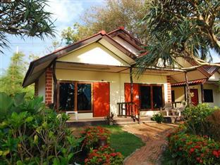 Nice beach resort, Koh Lanta,stuga